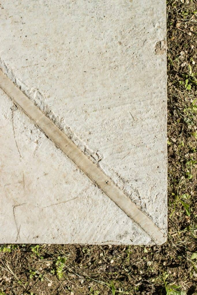 Expansion joint between two concrete slabs
