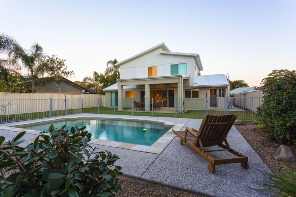 Pool decking with a classic-modern mix