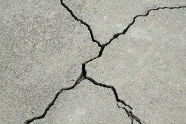 10 Best Concrete Crack Fillers for Driveways (Buyer's Guide)